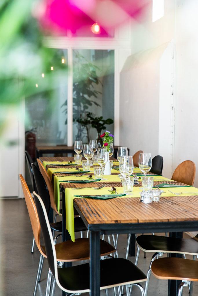Dinertafel in kookrestaurant